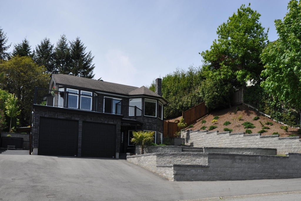 "Main Photo: 35081 SUNNYSIDE Drive in Mission: Hatzic House for sale in ""HATZIC"" : MLS® # F1027710"