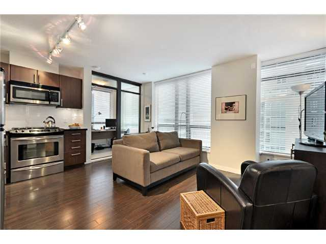 "Main Photo: 809 1068 W BROADWAY in Vancouver: Fairview VW Condo for sale in ""THE ZONE"" (Vancouver West)  : MLS® # V865216"