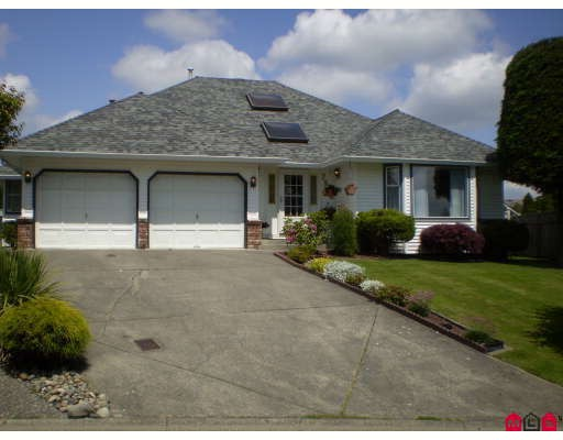 Main Photo: 7986 166B Street in Surrey: Fleetwood Tynehead House for sale : MLS®# F2900280