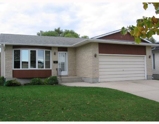 Main Photo: 103 ROSE HILL Way in WINNIPEG: Maples / Tyndall Park Residential for sale (North West Winnipeg)  : MLS®# 2817791