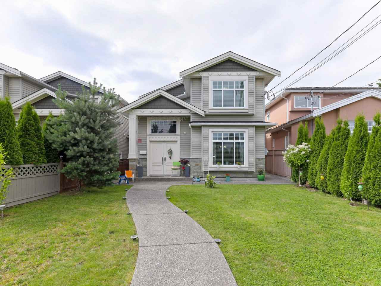 FEATURED LISTING: 7115 10TH Avenue Burnaby
