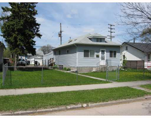 Main Photo: 99 CLONARD Avenue in WINNIPEG: St Vital Single Family Detached for sale (South East Winnipeg)  : MLS® # 2909421