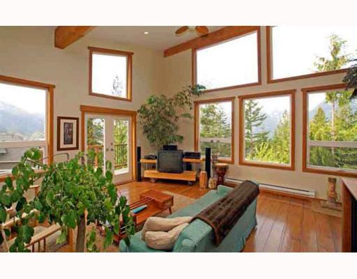 FEATURED LISTING: 1013 TOBERMORY Way Squamish