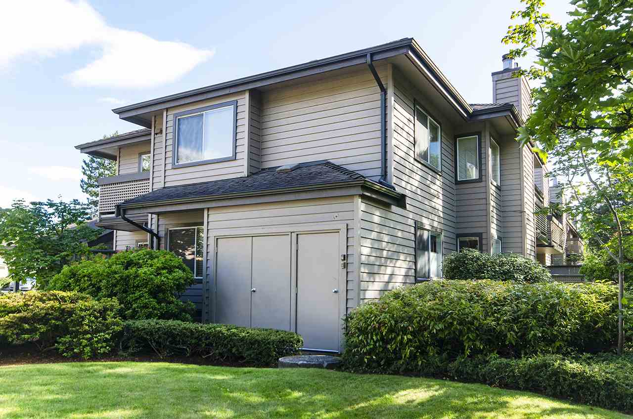 FEATURED LISTING: 924 ROCHE POINT Drive North Vancouver