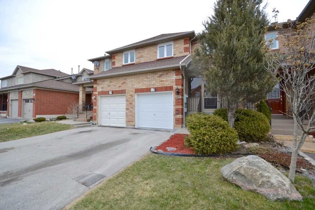 FEATURED LISTING: 17 Crieff Avenue Vaughan