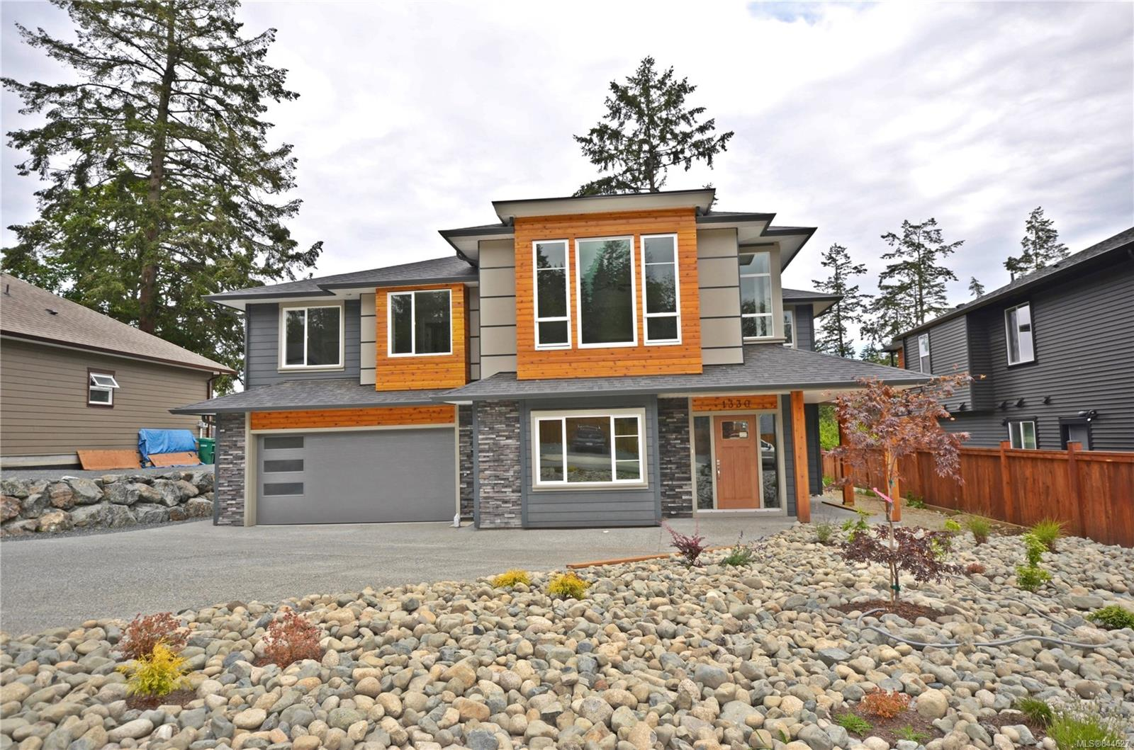 FEATURED LISTING: 1330 Blue Heron Cres NANAIMO