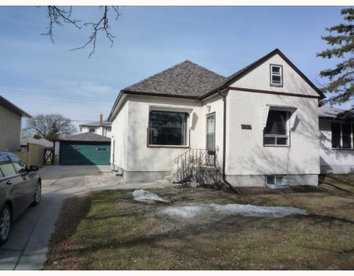 Main Photo: 995 TALBOT Avenue in WINNIPEG: East Kildonan Residential for sale (North East Winnipeg)  : MLS® # 2905847