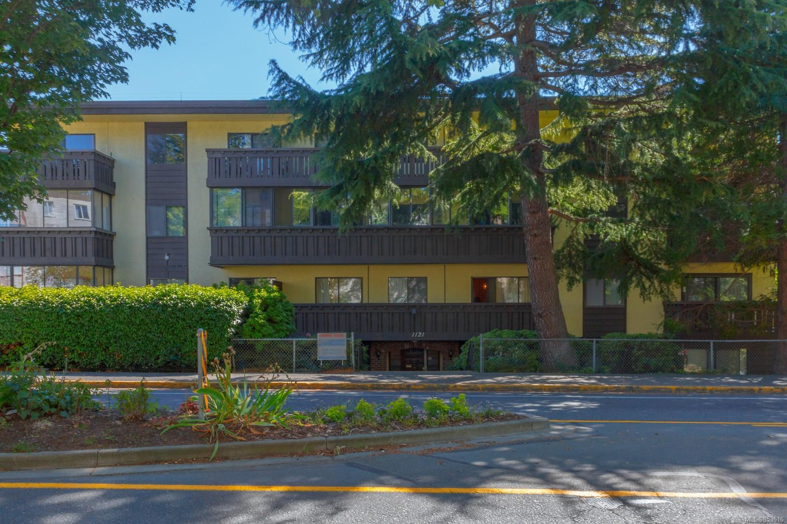 FEATURED LISTING: 406 - 1121 Esquimalt Rd