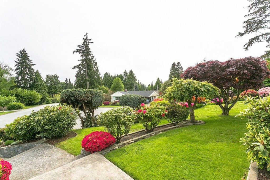 FEATURED LISTING: 764 Blythwood Dr North Vancouver