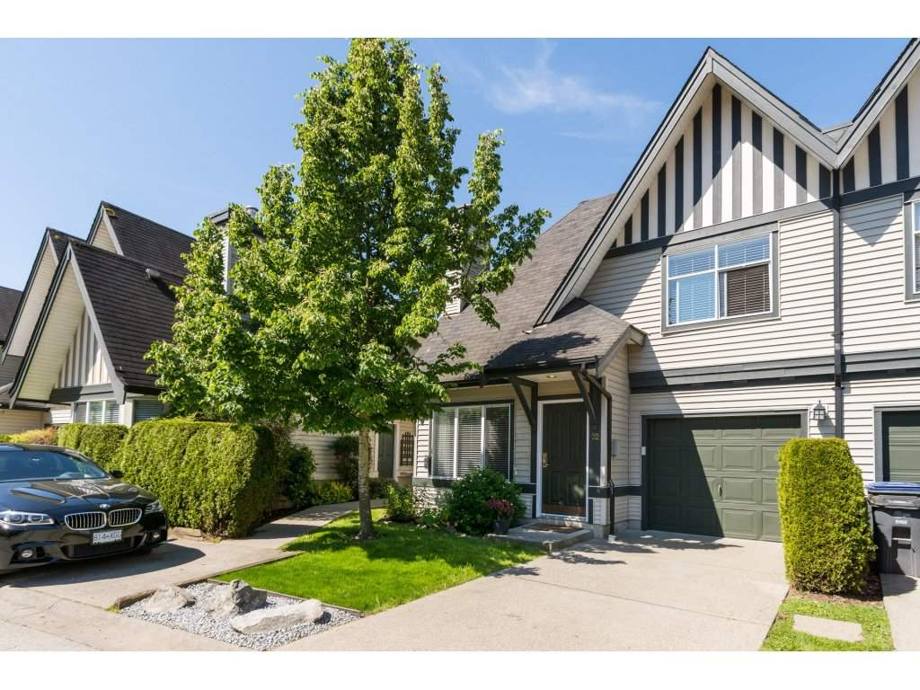 "Main Photo: 22 18883 65 Avenue in Surrey: Cloverdale BC Townhouse for sale in ""APPLEWOOD"" (Cloverdale)  : MLS® # R2170733"