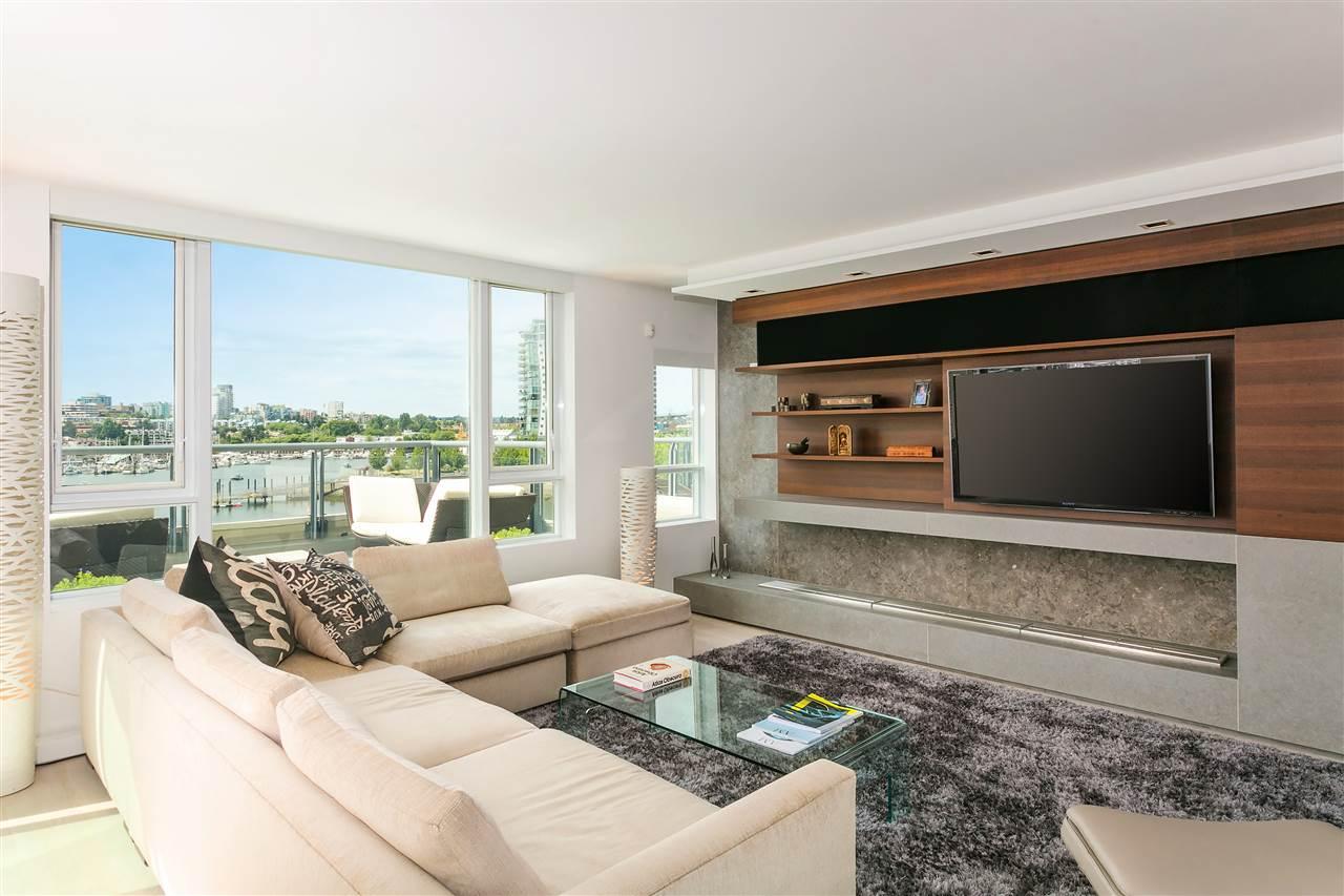 yaletown loft for sale 605 1383 Marinaside Crescent dreamliving.ca