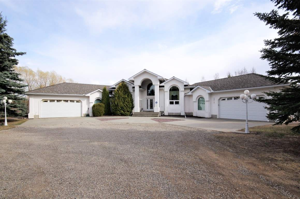 FEATURED LISTING: 9461 Spruce Valley Road Rural Parkland County