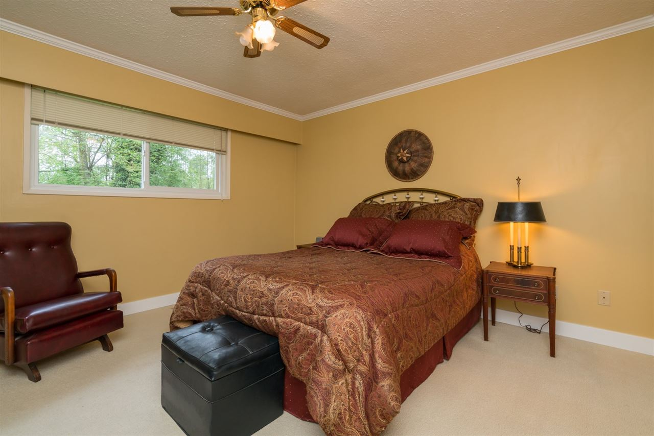 "Photo 30: 4733 SADDLEHORN Crescent in Langley: Salmon River House for sale in ""SALMON RIVER"" : MLS® # R2172074"