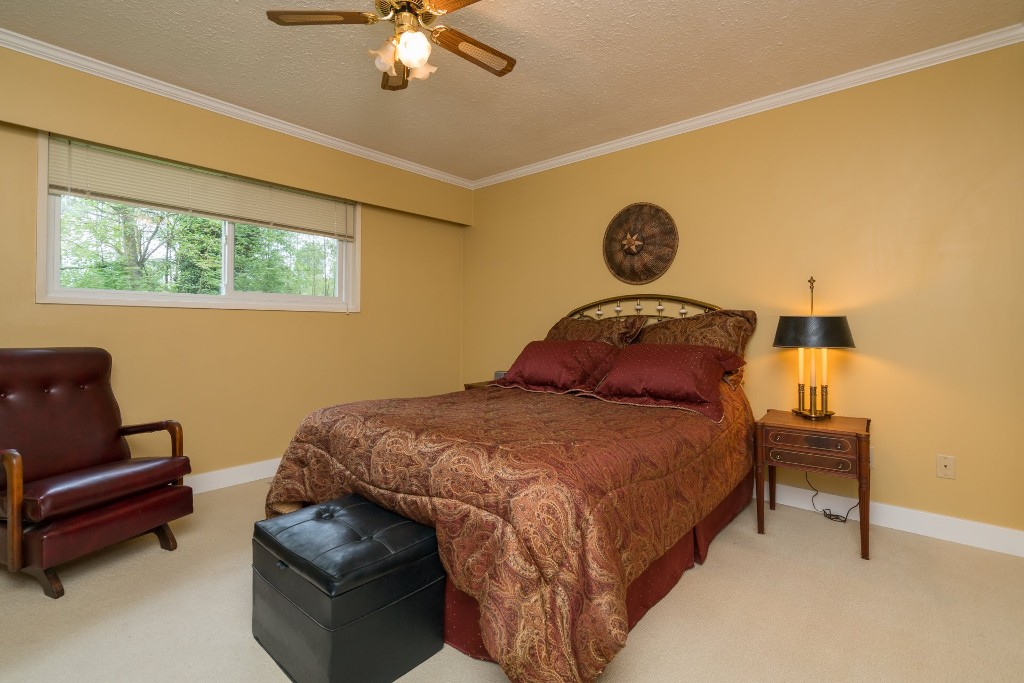 "Photo 10: 4733 SADDLEHORN Crescent in Langley: Salmon River House for sale in ""SALMON RIVER"" : MLS® # R2172074"