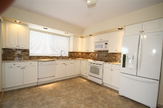 "Main Photo: 303 5776 200 Street in Langley: Langley City Condo for sale in ""Glenwood Village"" : MLS® # R2196745"