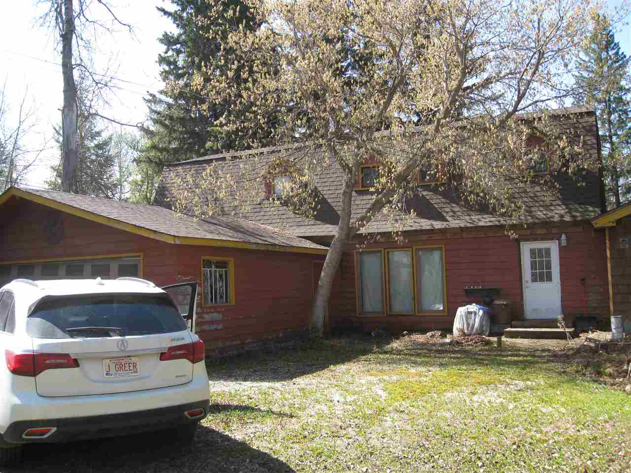 Main Photo: 5219 47A Avenue: Rural Lac Ste. Anne County House for sale : MLS®# E4110637