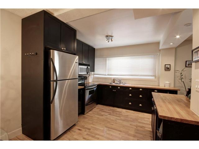 Main Photo: 237 8239 ELBOW Drive SW in Calgary: Chinook Park Condo for sale : MLS® # C3543400