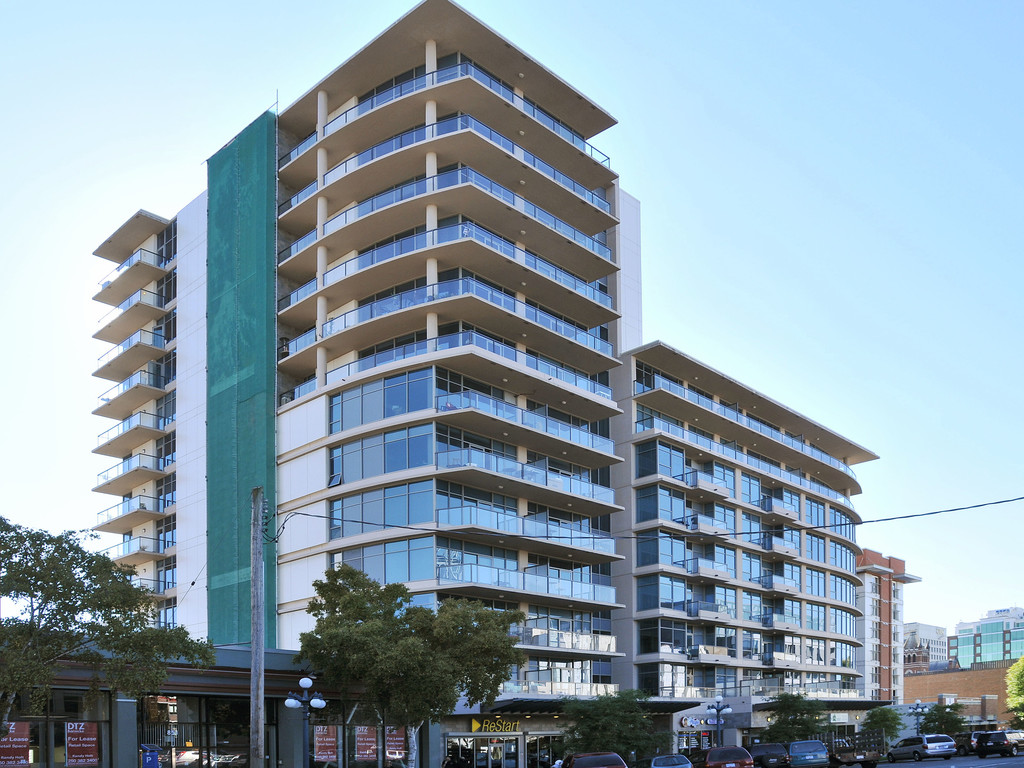 Main Photo: 706 845 Yates Street in VICTORIA: Vi Downtown Condo Apartment for sale (Victoria)  : MLS® # 375534