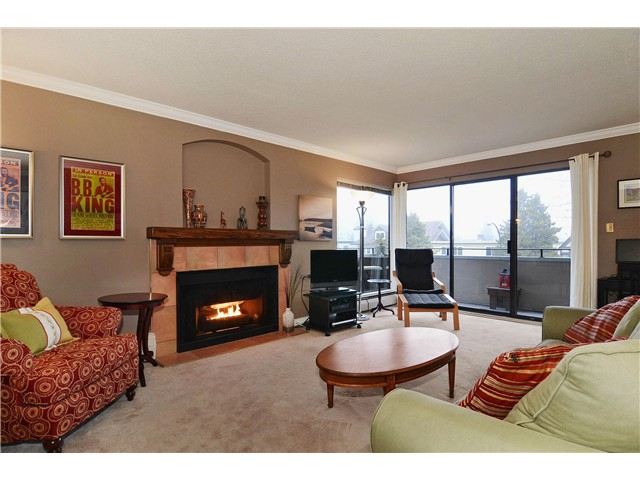 FEATURED LISTING: 306 - 1250 12TH Avenue West Vancouver