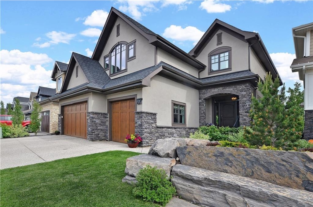 Main Photo: 13 WEST GROVE Point(e) SW in Calgary: West Springs House for sale : MLS® # C4123128