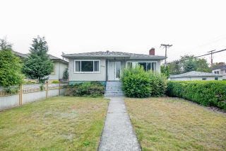 "Main Photo: 2589 E 15TH Avenue in Vancouver: Renfrew Heights House for sale in ""Renfrew Heights"" (Vancouver East)  : MLS®# R2302029"