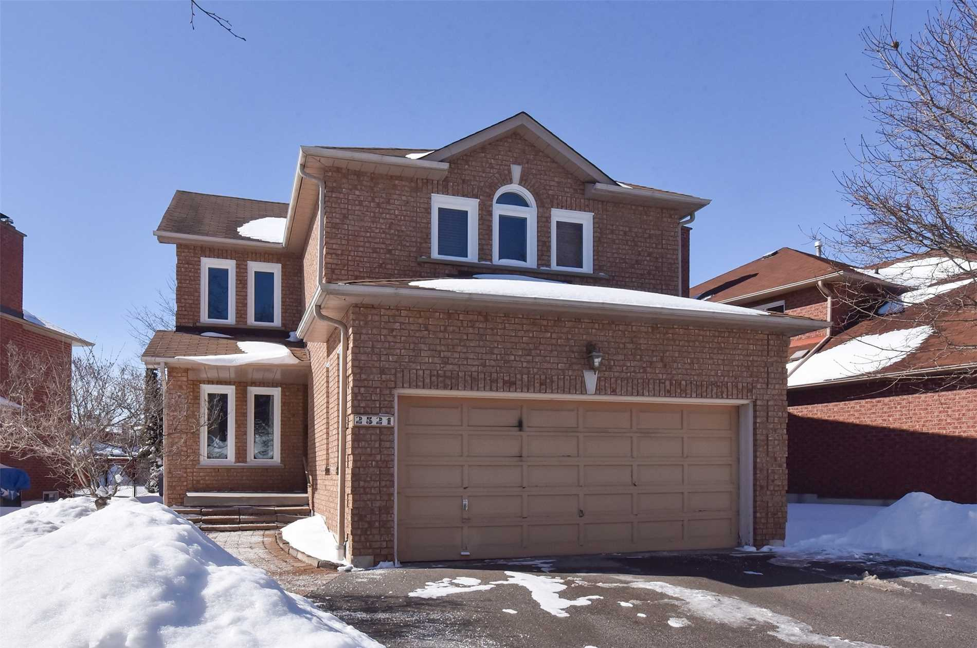 FEATURED LISTING: 2521 Linwood Street Pickering