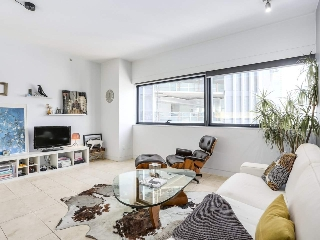 "Main Photo: 2204 838 W HASTINGS Street in Vancouver: Downtown VW Condo for sale in ""Jameson House"" (Vancouver West)  : MLS® # R2204006"