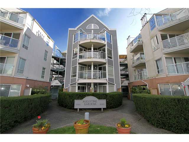 "Main Photo: 213 2010 W 8TH Avenue in Vancouver: Kitsilano Condo for sale in ""AUGUSTINE GARDENS"" (Vancouver West)  : MLS® # V880530"