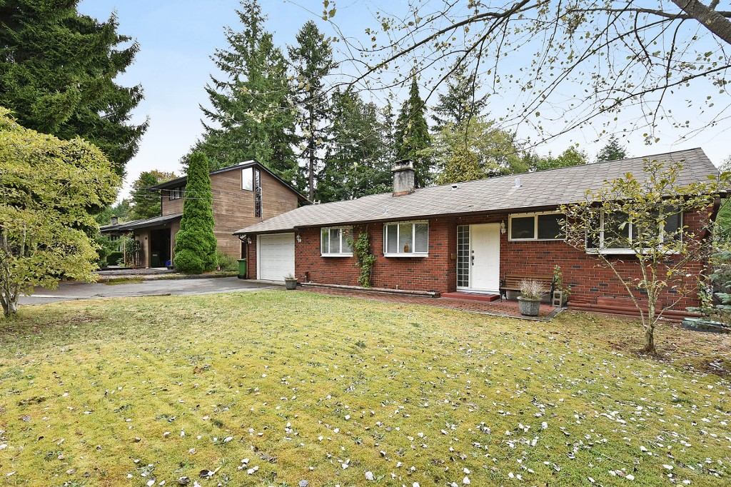 Photo 1: 1388 APPIN Road in NORTH VANC: Westlynn House for sale (North Vancouver)  : MLS(r) # V1142438