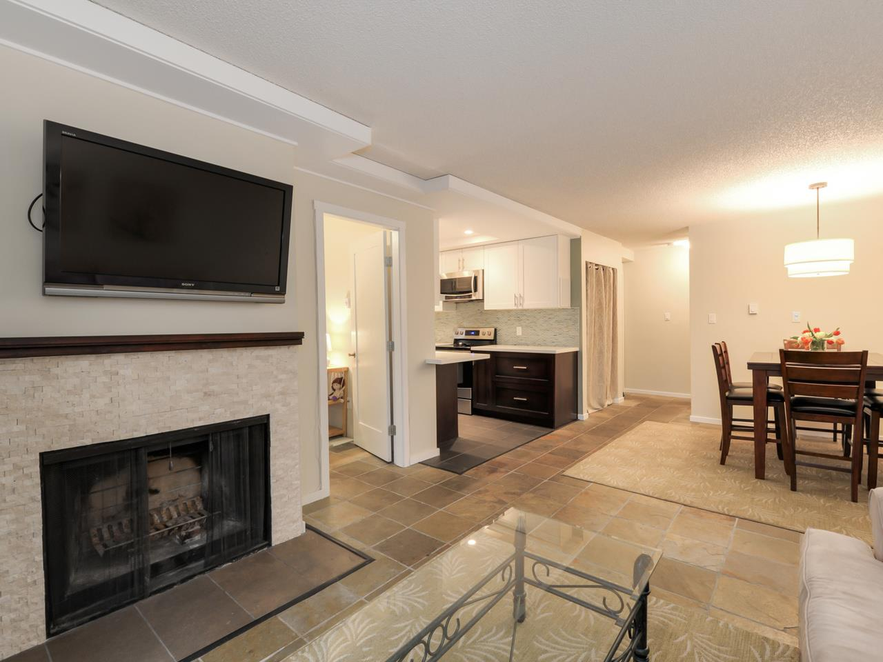 "Main Photo: 202 1352 W 10TH Avenue in Vancouver: Fairview VW Condo for sale in ""Tell Manor"" (Vancouver West)  : MLS® # R2035626"