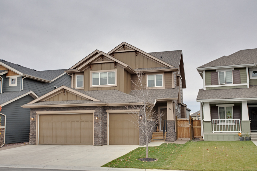 Main Photo: 38 Auburn Sound Circle SE in Calgary: House for sale : MLS® # C3540976