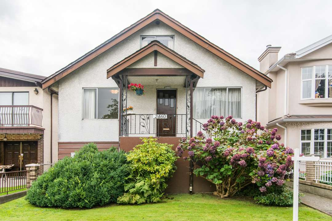 Main Photo: 2460 NAPIER Street in Vancouver: Renfrew VE House for sale (Vancouver East)  : MLS®# R2119733