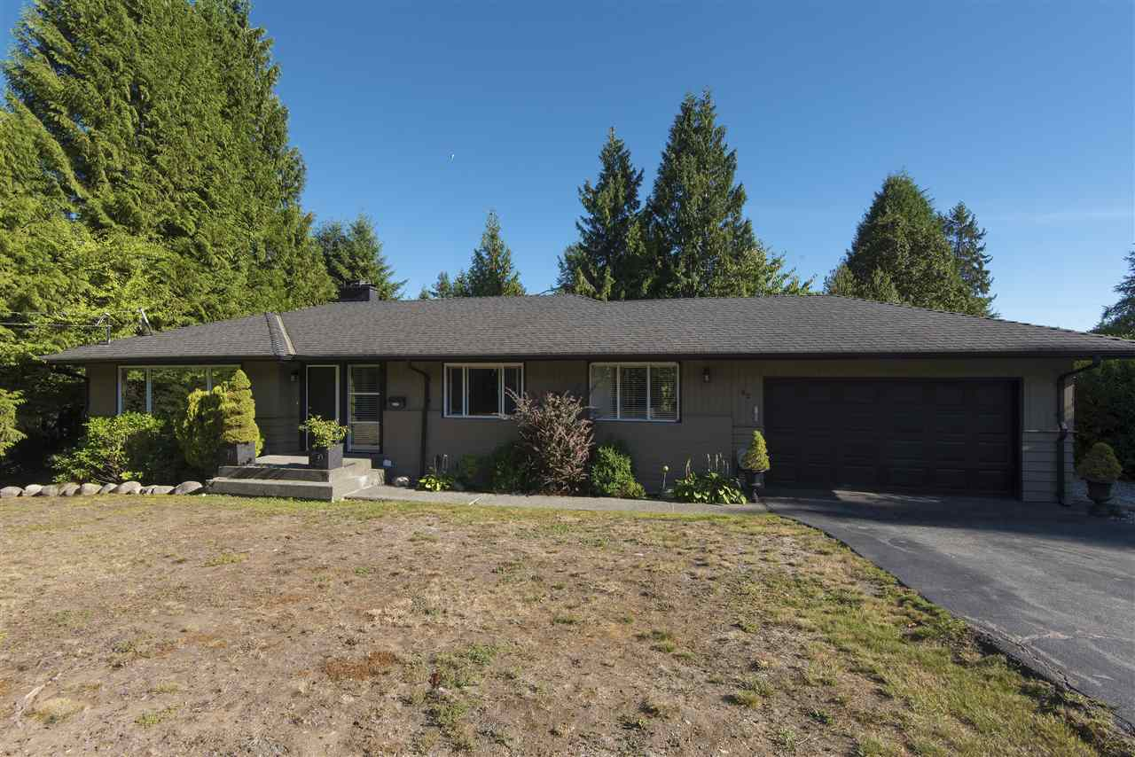 Main Photo: 82 GLENGARRY Crescent in West Vancouver: Glenmore House for sale : MLS® # R2206132