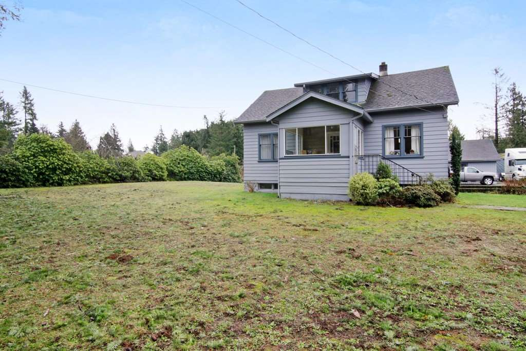 Main Photo: 33582 DEWDNEY TRUNK Road in Mission: Mission BC House for sale : MLS®# R2236936