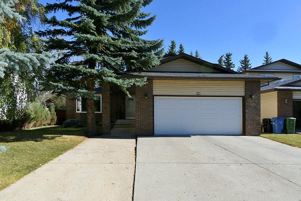 Main Photo: 312 RANCHRIDGE Bay NW in Calgary: Ranchlands House for sale : MLS®# C4167446