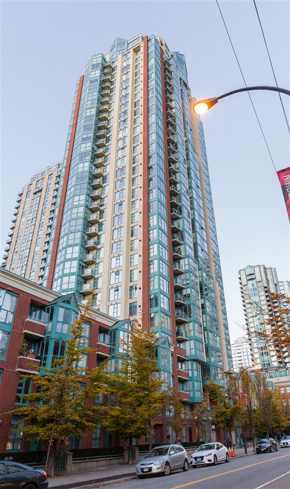 FEATURED LISTING: 401 - 939 HOMER Street Vancouver