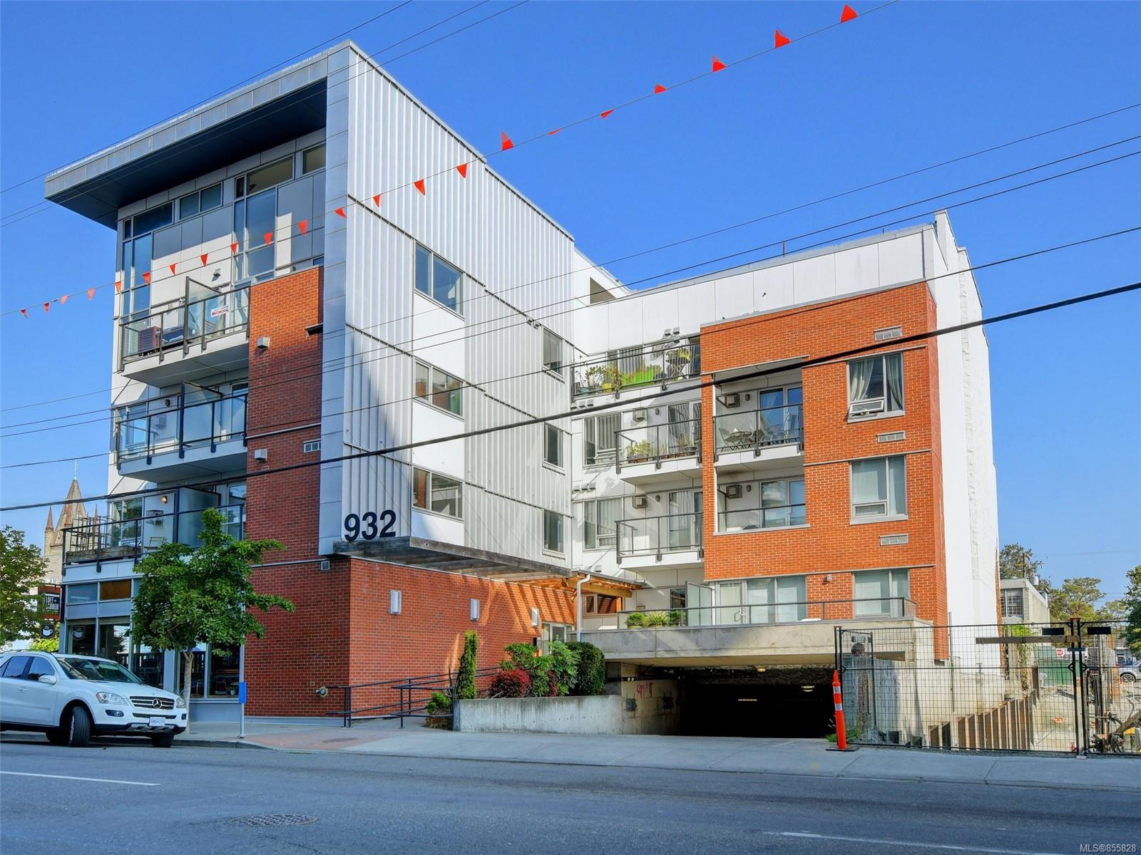FEATURED LISTING: 302 - 932 Johnson St