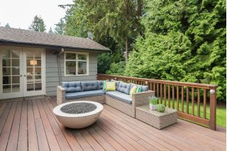 "Main Photo: 3885 HILLCREST Avenue in North Vancouver: Edgemont House for sale in ""Edgemont"" : MLS® # R2228136"