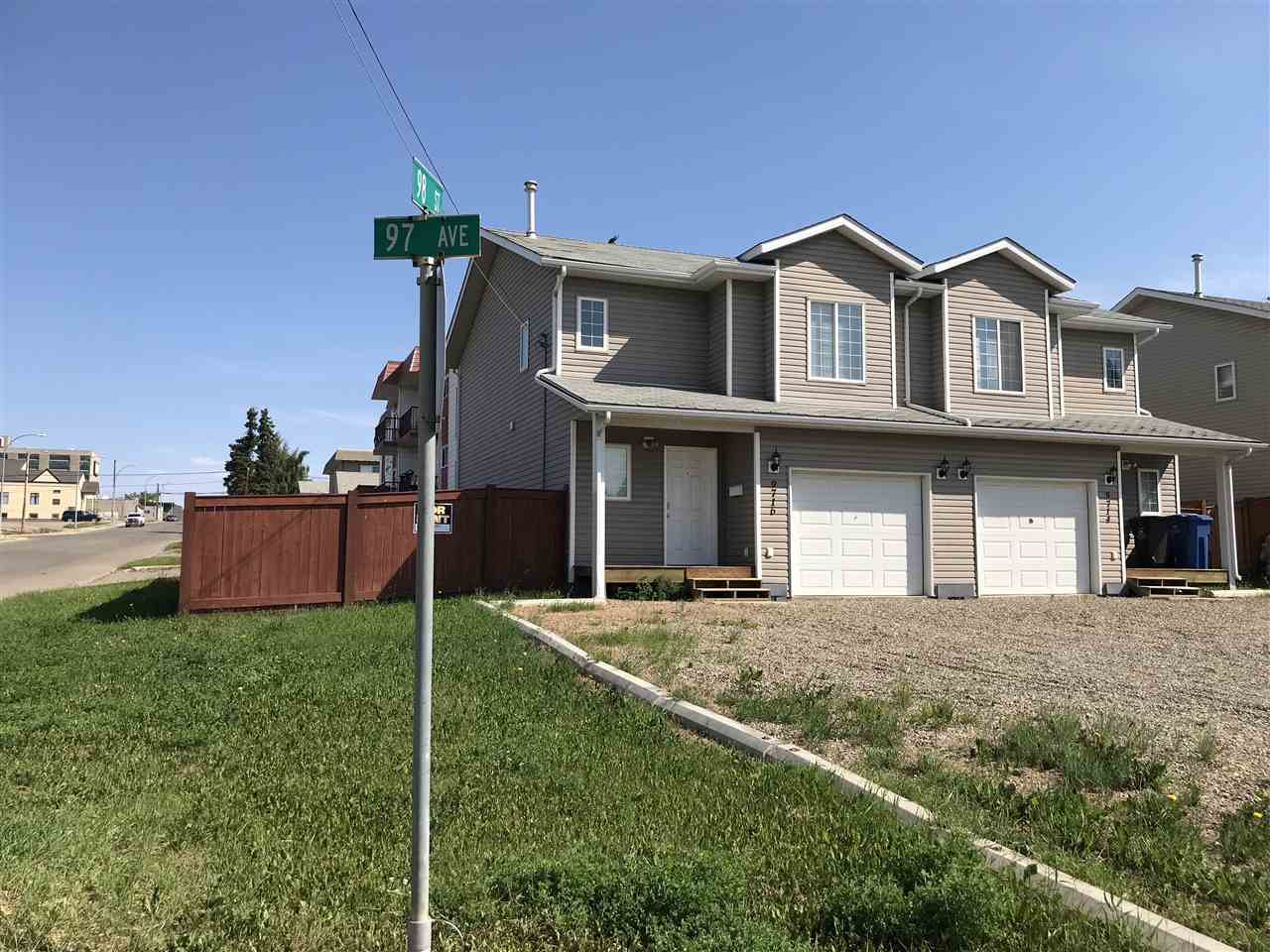Main Photo: 9716 97 Avenue in Fort St. John: Fort St. John - City SE House 1/2 Duplex for sale (Fort St. John (Zone 60))  : MLS®# R2282899