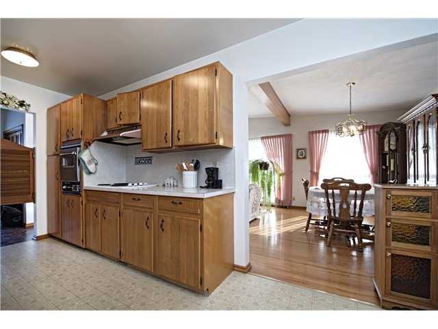 Photo 6: 3112 LANCASTER Way SW in Calgary: Lakeview House for sale : MLS® # C3654230