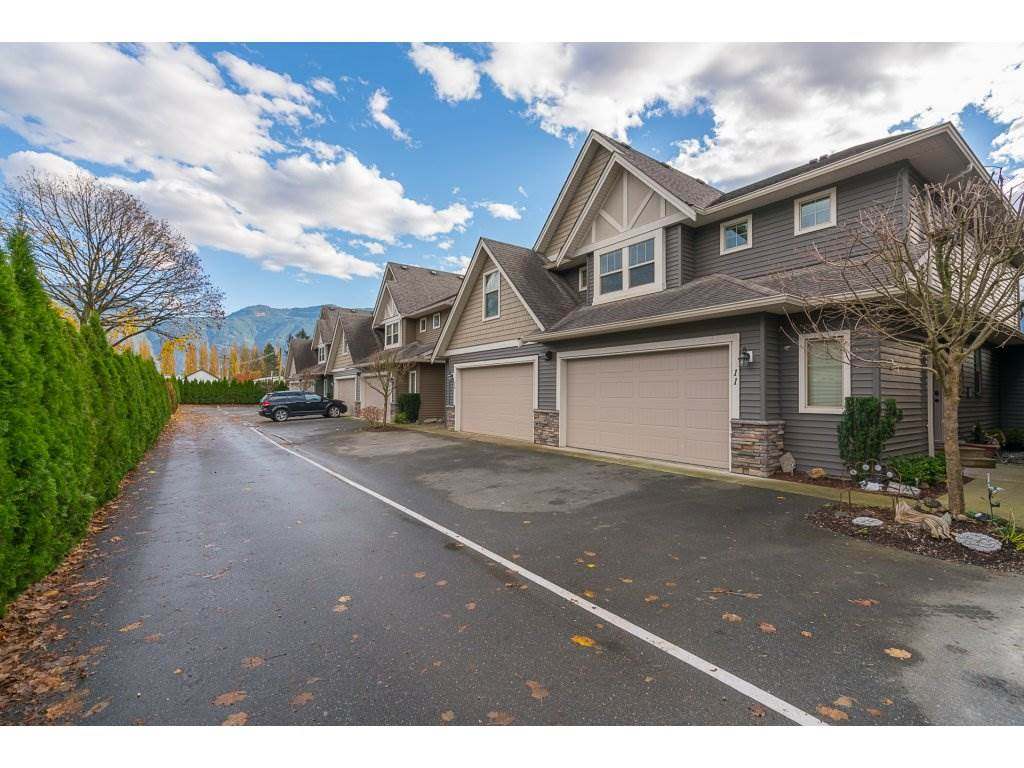 Main Photo: 11 1854 HEATH Road: Agassiz Townhouse for sale : MLS®# R2122018