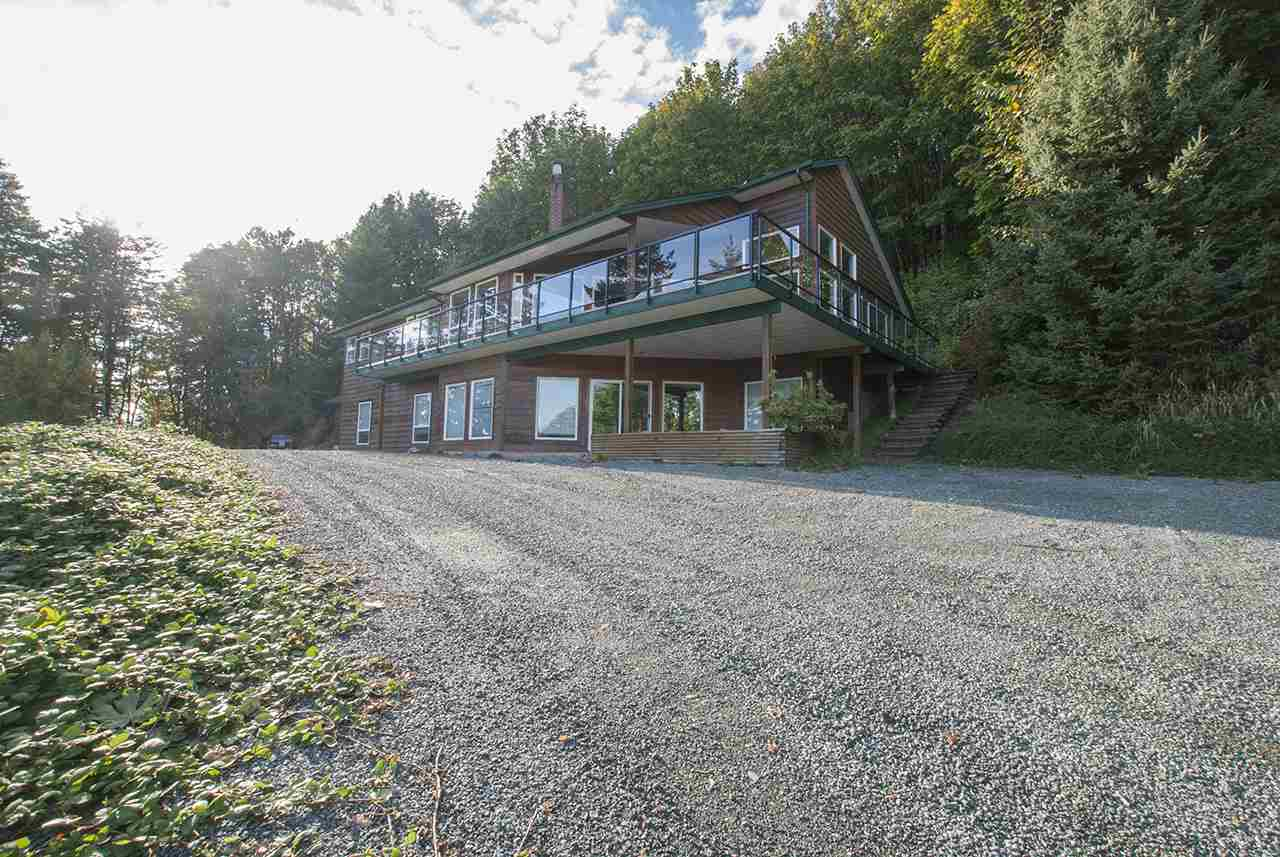 Main Photo: 8390 LICKMAN Road in Chilliwack: Chilliwack Yale Rd West House for sale : MLS® # R2216042