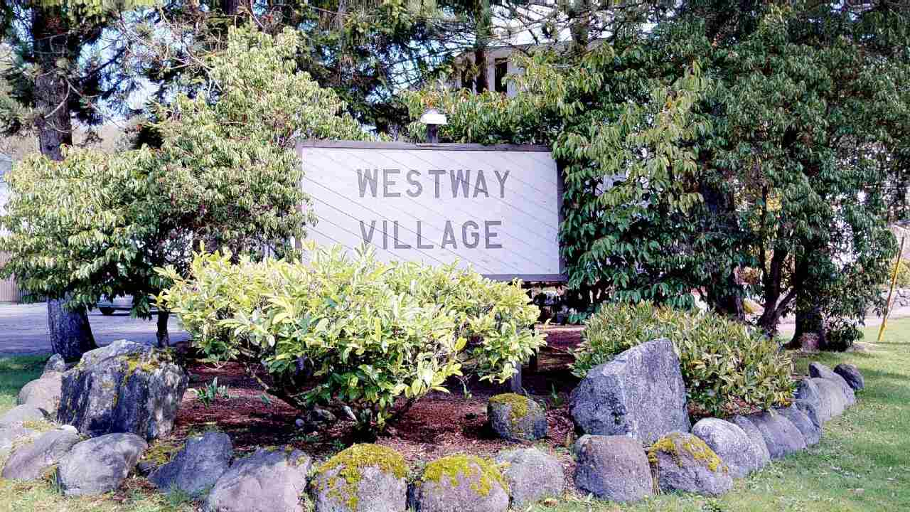 "Main Photo: 57 38185 WESTWAY Avenue in Squamish: Valleycliffe Condo for sale in ""Westway Village"" : MLS®# R2256901"