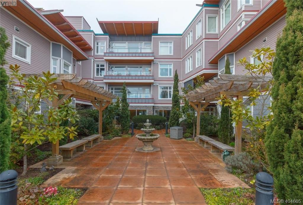 FEATURED LISTING: 101 - 1510 Hillside Ave VICTORIA