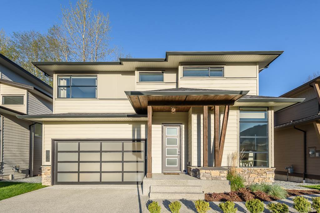 FEATURED LISTING: 39440 CARDINAL Drive Squamish