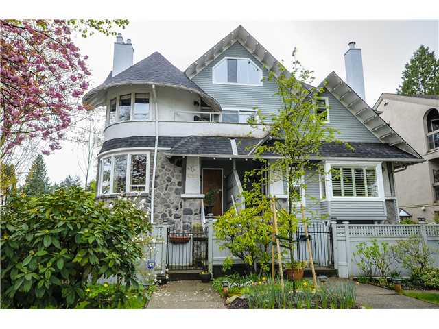 "Main Photo: 3113 MONTCALM Street in Vancouver: Fairview VW Townhouse for sale in ""MONTCALM HOUSE"" (Vancouver West)  : MLS® # V1060240"