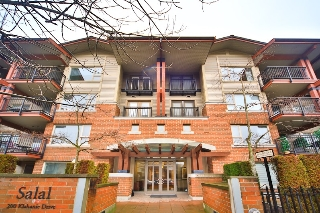 Main Photo: 404 200 KLAHANIE Drive in Port Moody: Port Moody Centre Condo for sale : MLS®# R2029685