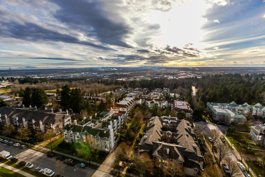 FEATURED LISTING: 1903 - 7368 SANDBORNE Avenue Burnaby