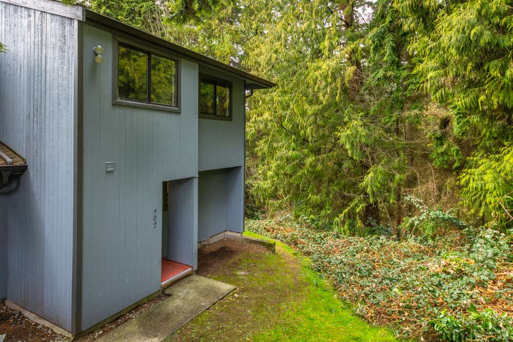 FEATURED LISTING: 902 BRITTON Drive Port Moody