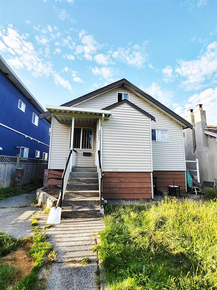 FEATURED LISTING: 3031 1ST Avenue East Vancouver